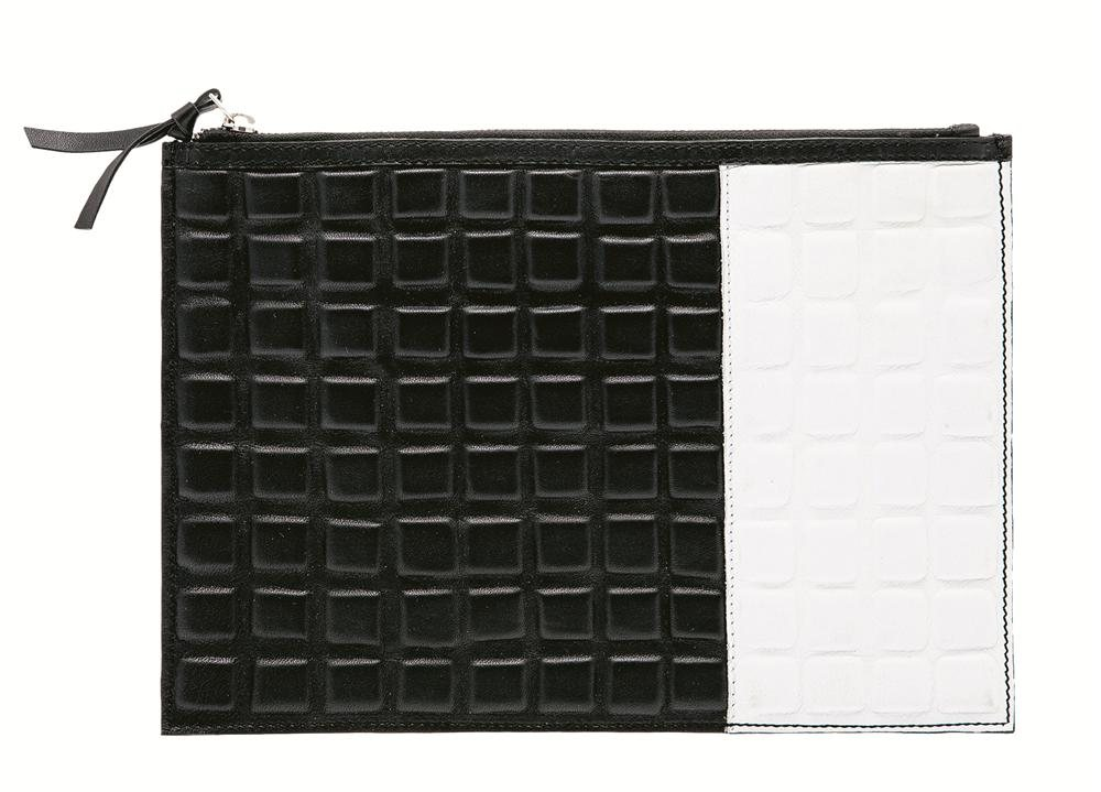 ASOS Leather Clutch Bag With 3D Effect 40 Jan. Sube el color