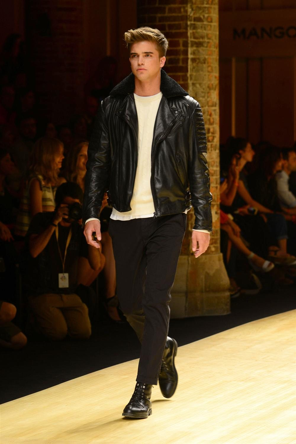 River Viiperi. Mango Fashion Show