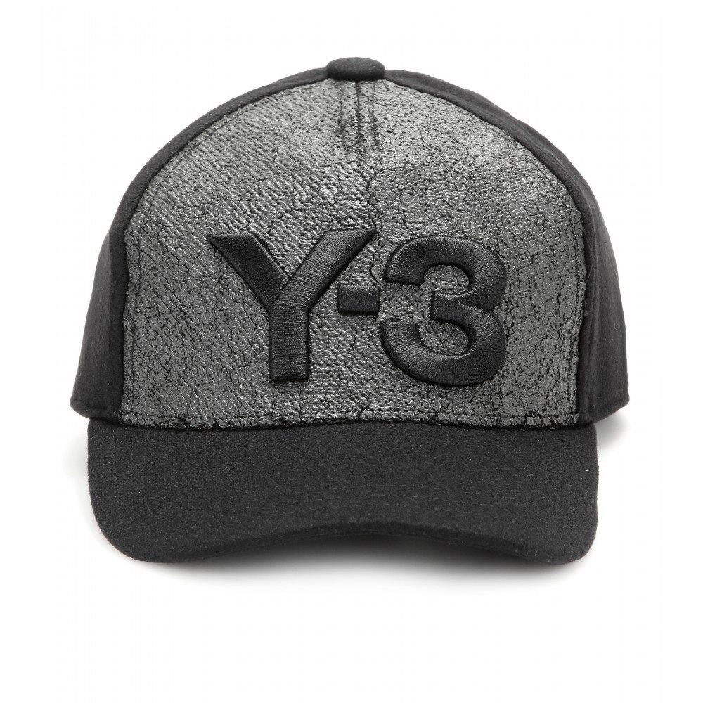 Las gorras también son para el invierno - InStyle c49ecb5bdab