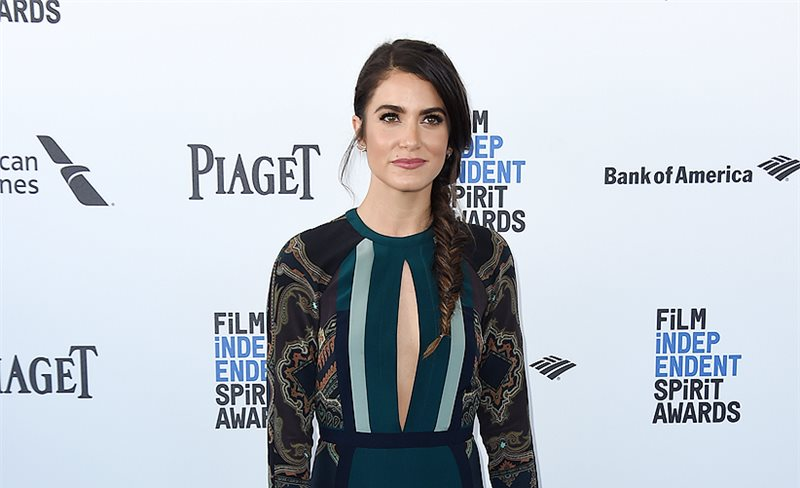 Nikki Reed, con 'total look' de Etro