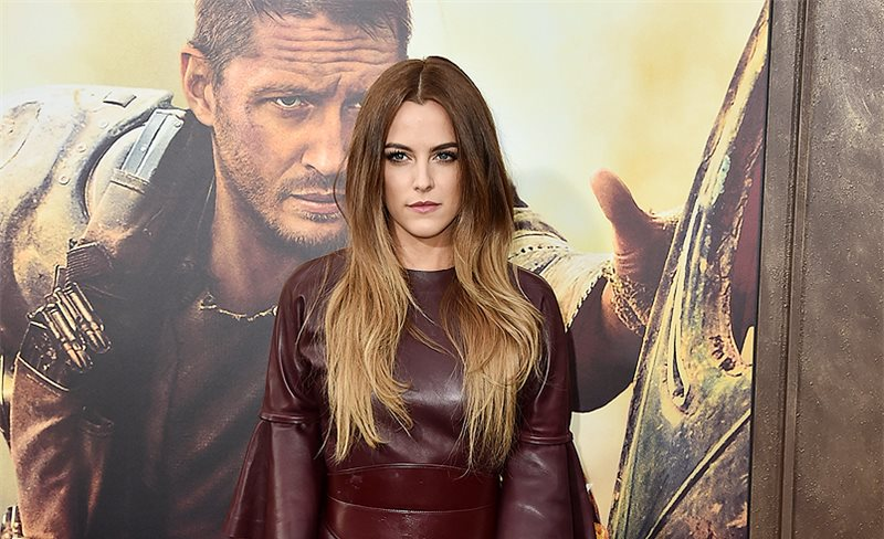 Riley Keough, de Alexander McQueen