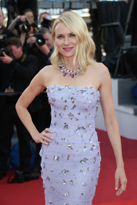 DL u306934 116. Naomi Watts