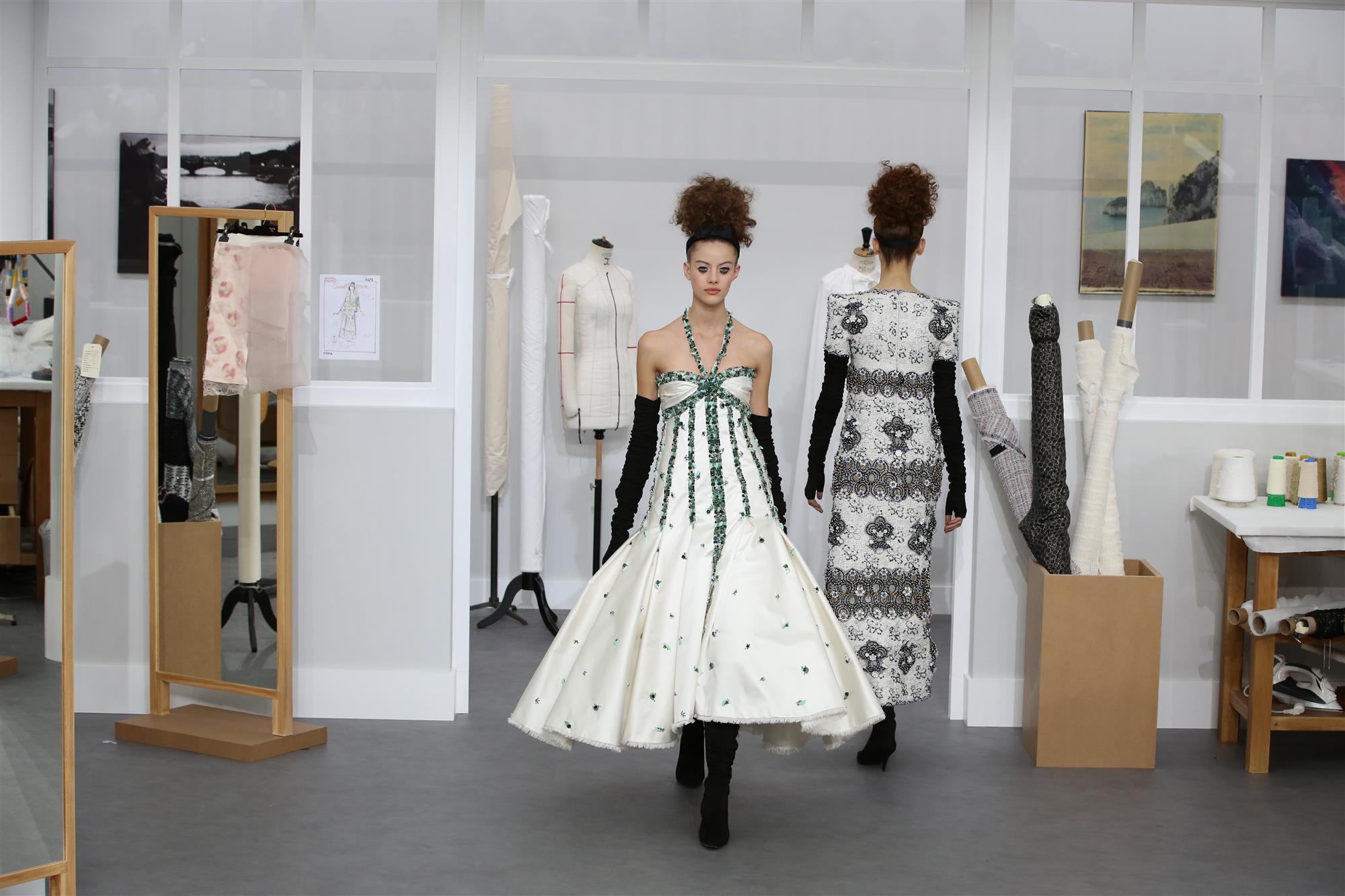 Magnífico Chanel desde su taller de alta costura - InStyle