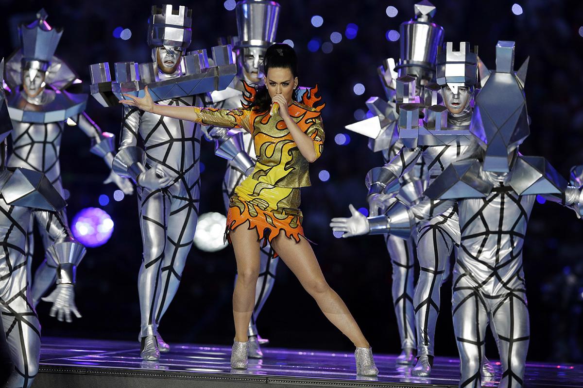 Lady Gaga y más cantantes que triunfaron en la Super Bowl ...