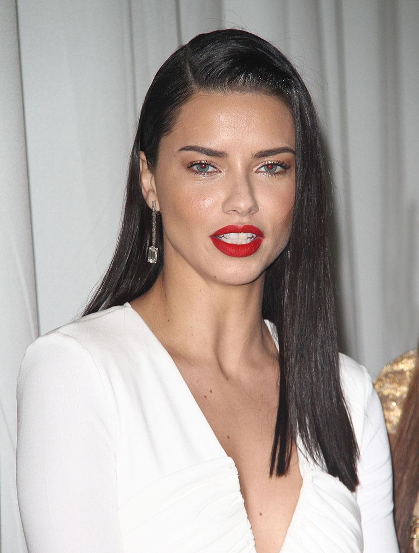 Adriana maquillada