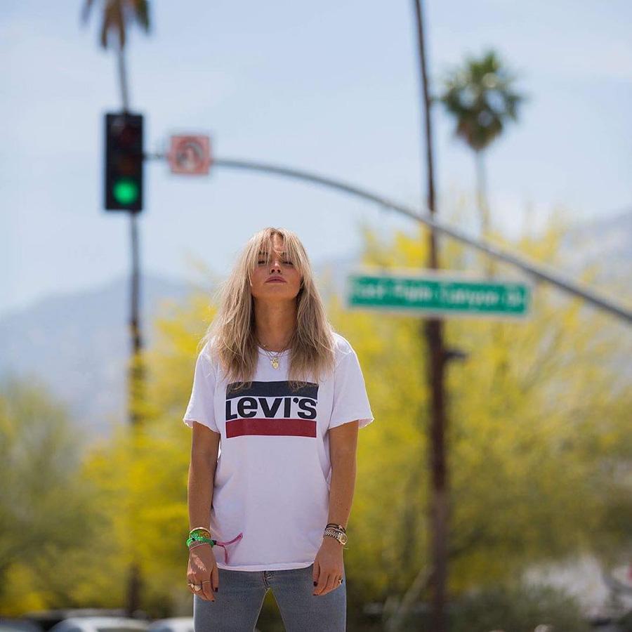 mirada detallada e3104 ad87c La camiseta de Levi's que todas quieren - InStyle