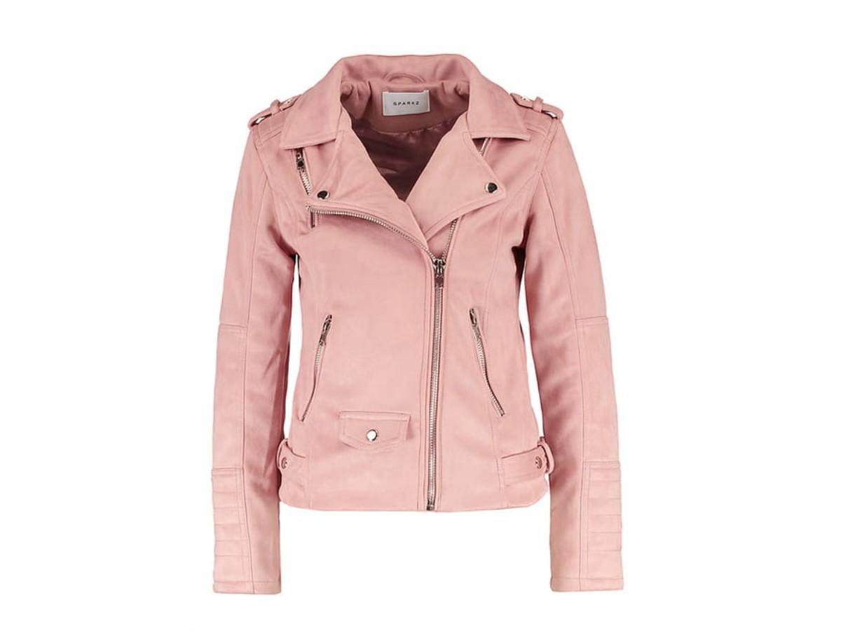 lo último bb7df 0e4d2 Esta es la nueva 'chaqueta amarilla de Zara' - InStyle
