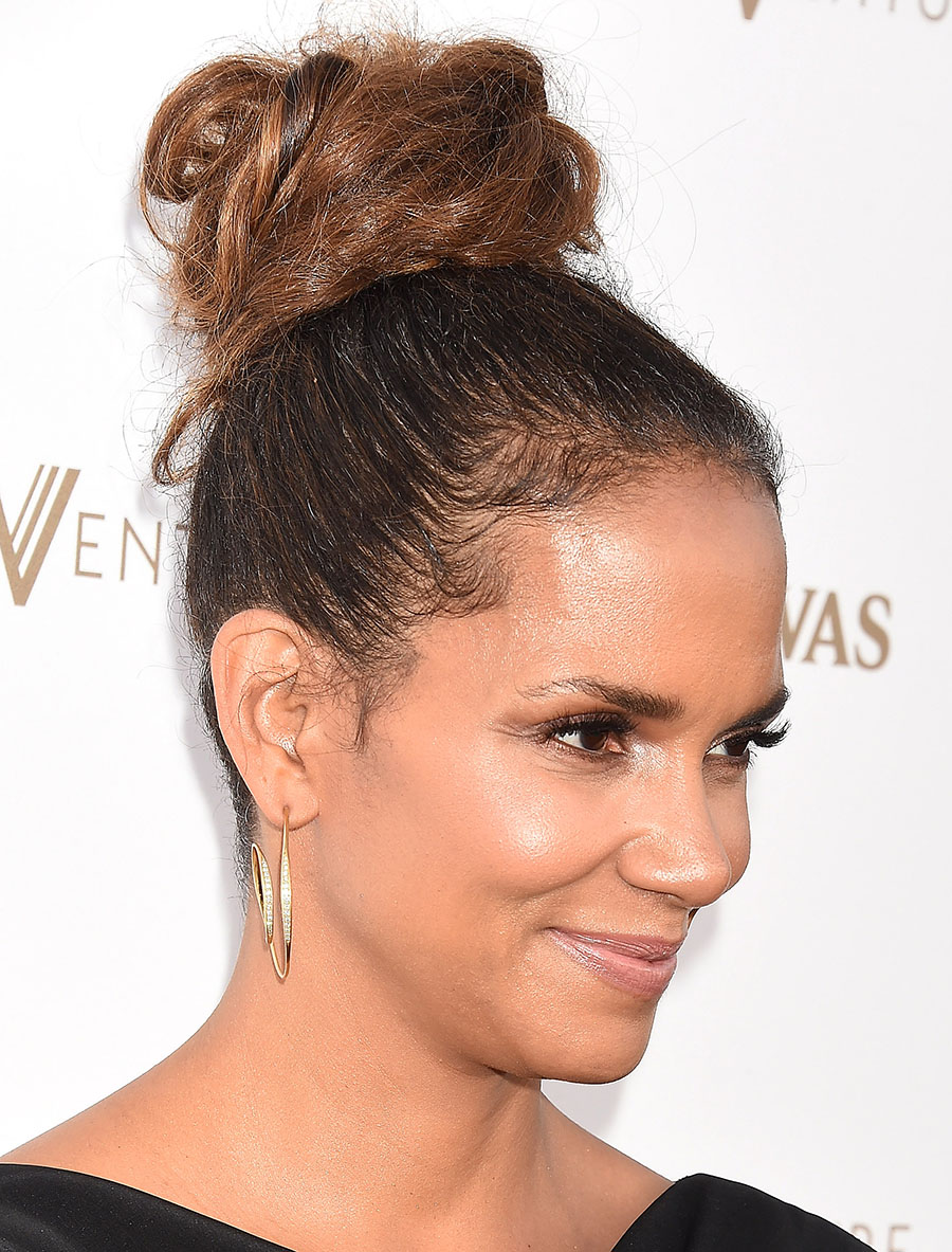 DL u379459 002. Halle Berry