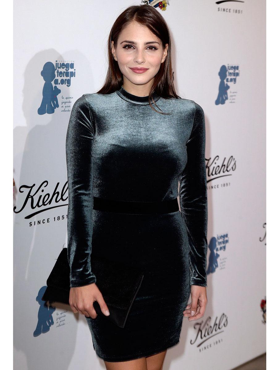 Look vestido terciopelo negro