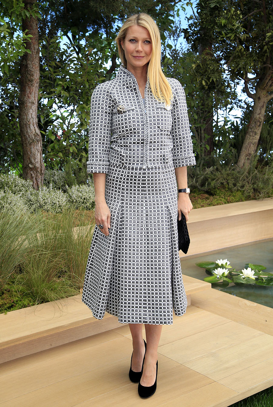 Gwyneth Paltrow 09. Total look Chanel