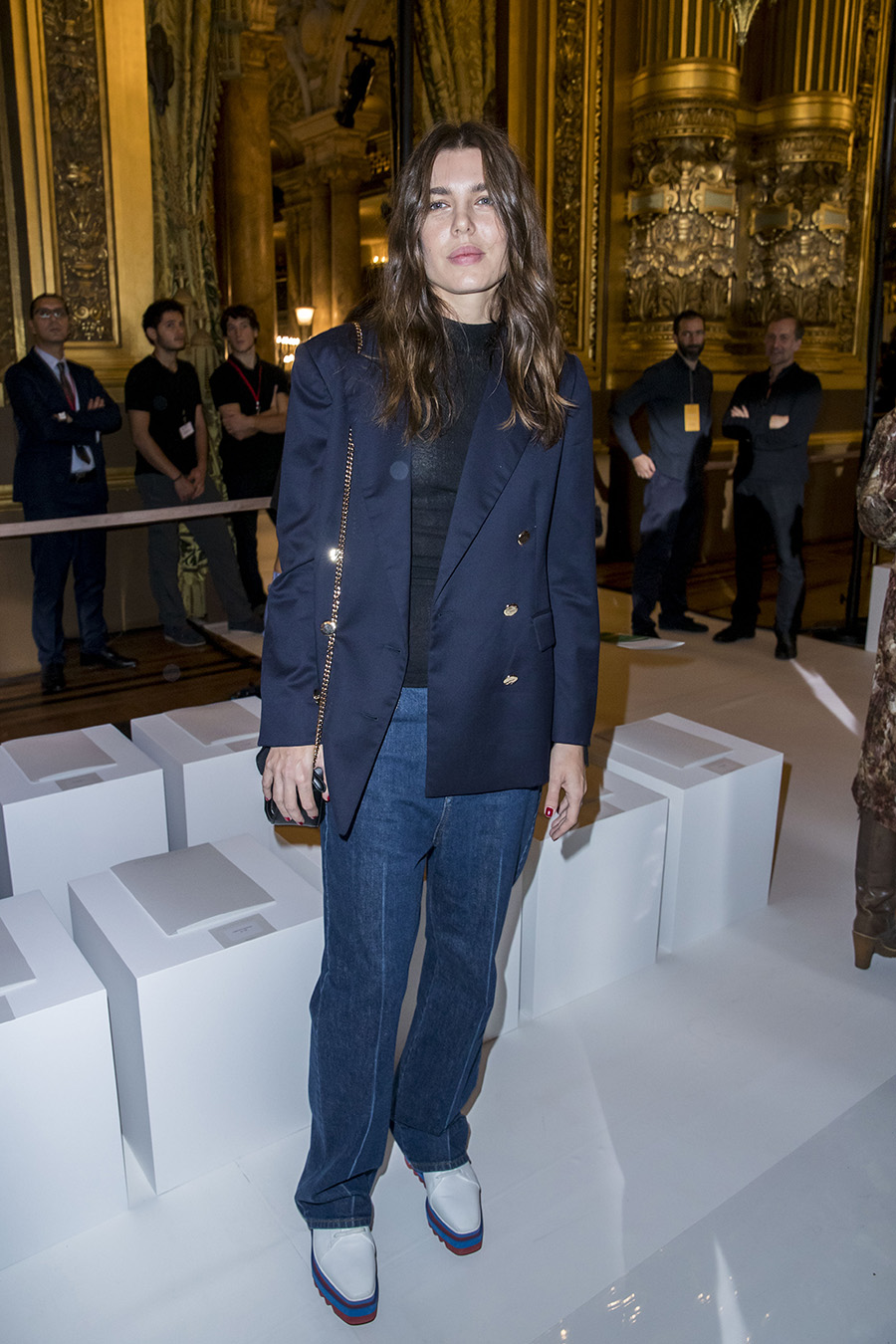 DL u385496 073. Carlota Casiraghi estrena estilo en la 'Paris Fashion Week'