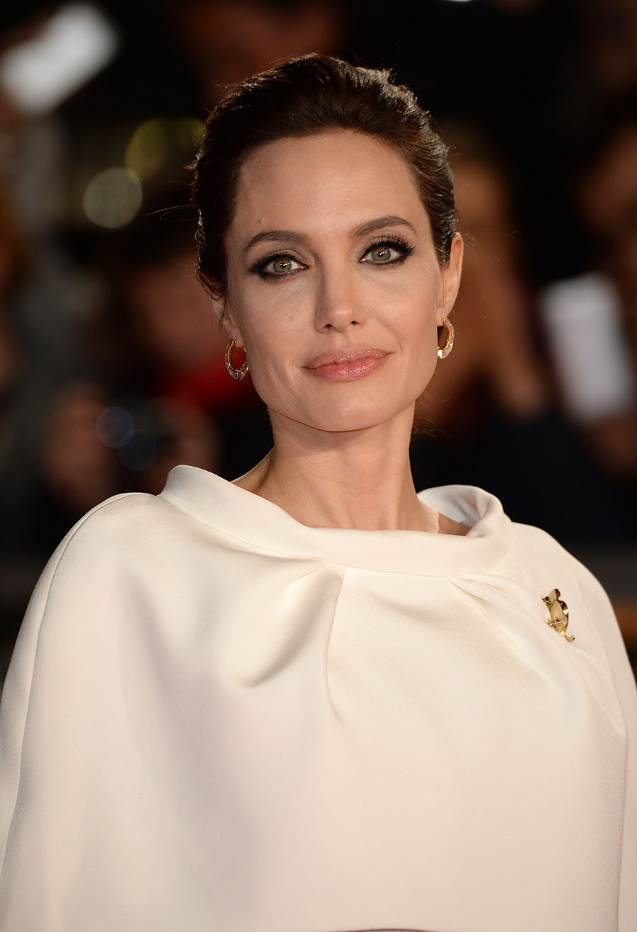 DL u269237 025. Angelina Jolie
