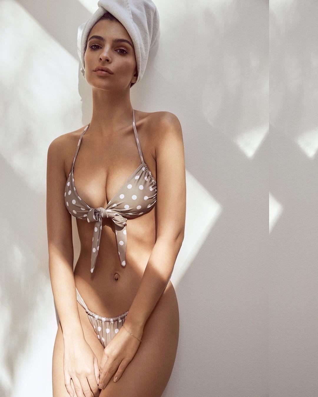 9956233fd6fe La colección de trajes de baño de Emily Ratajkowski - InStyle