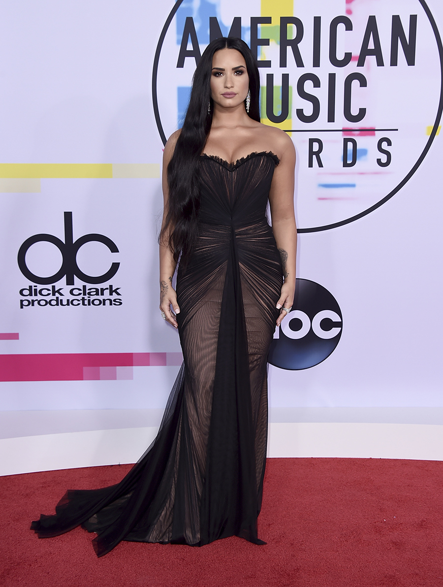 Demi Lovato American Music Awards. Demi Lovato