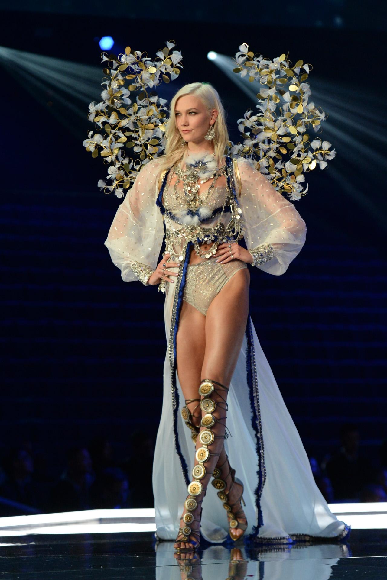 Victoria 39 S Secret Fashion Show 2017 Todas Las Im Genes Del Desfile M S Esperado Del A O Instyle