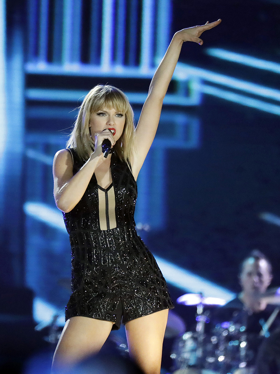 Taylor Swift. Top 2 (ELLAS): Taylor Swift