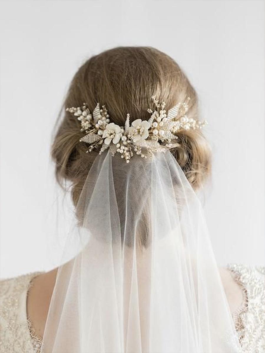 d083717bb 10 ideas de peinados y maquillajes para una novia de invierno - InStyle