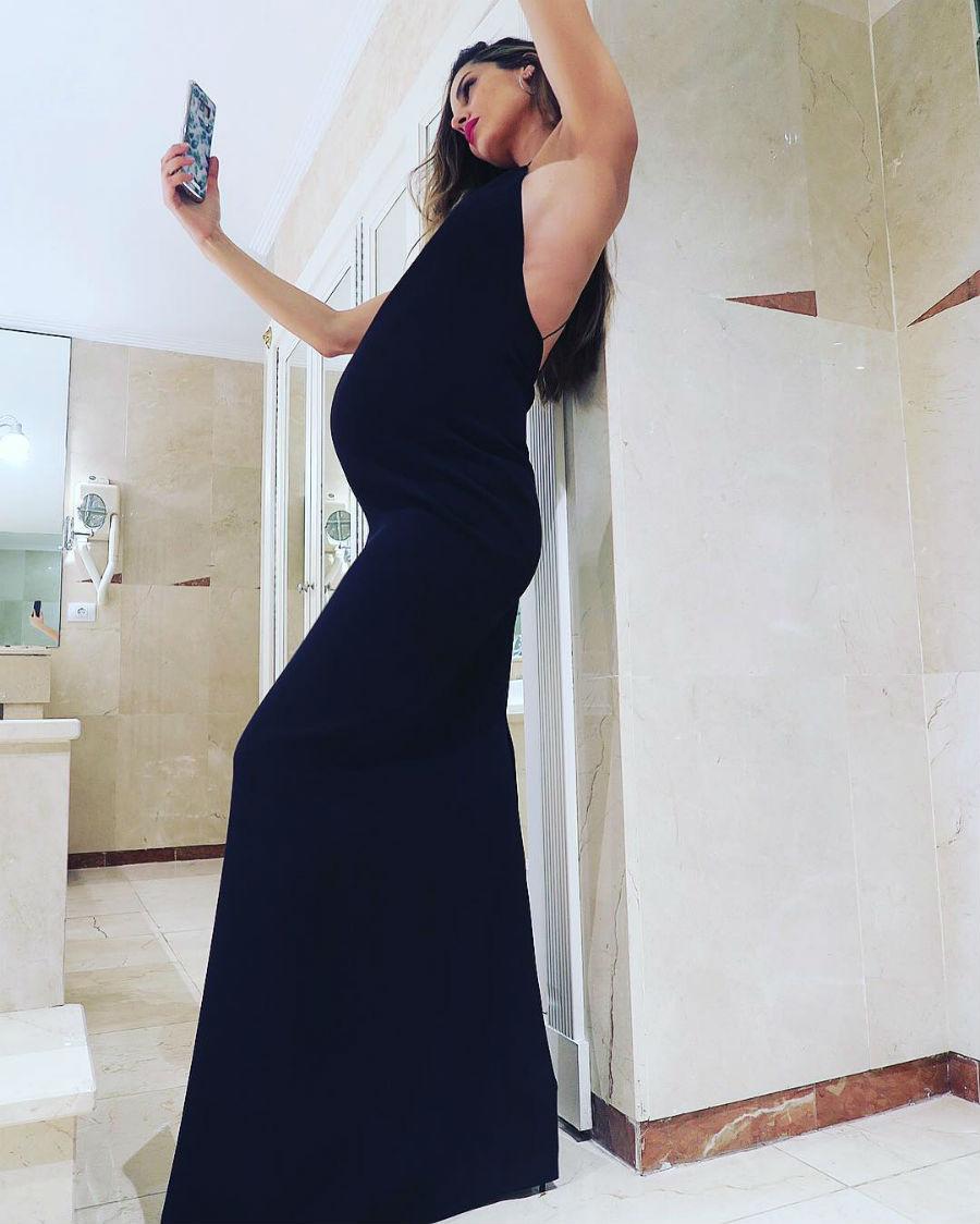 Ariadne Artiles embarazo 04. Impresionante con vestidos ceñidos 09b5132cb489