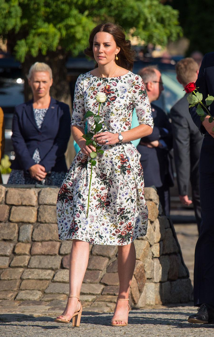 Fondo Flores Blanco Con Vestido Middleton Kate WqPBvXUg8