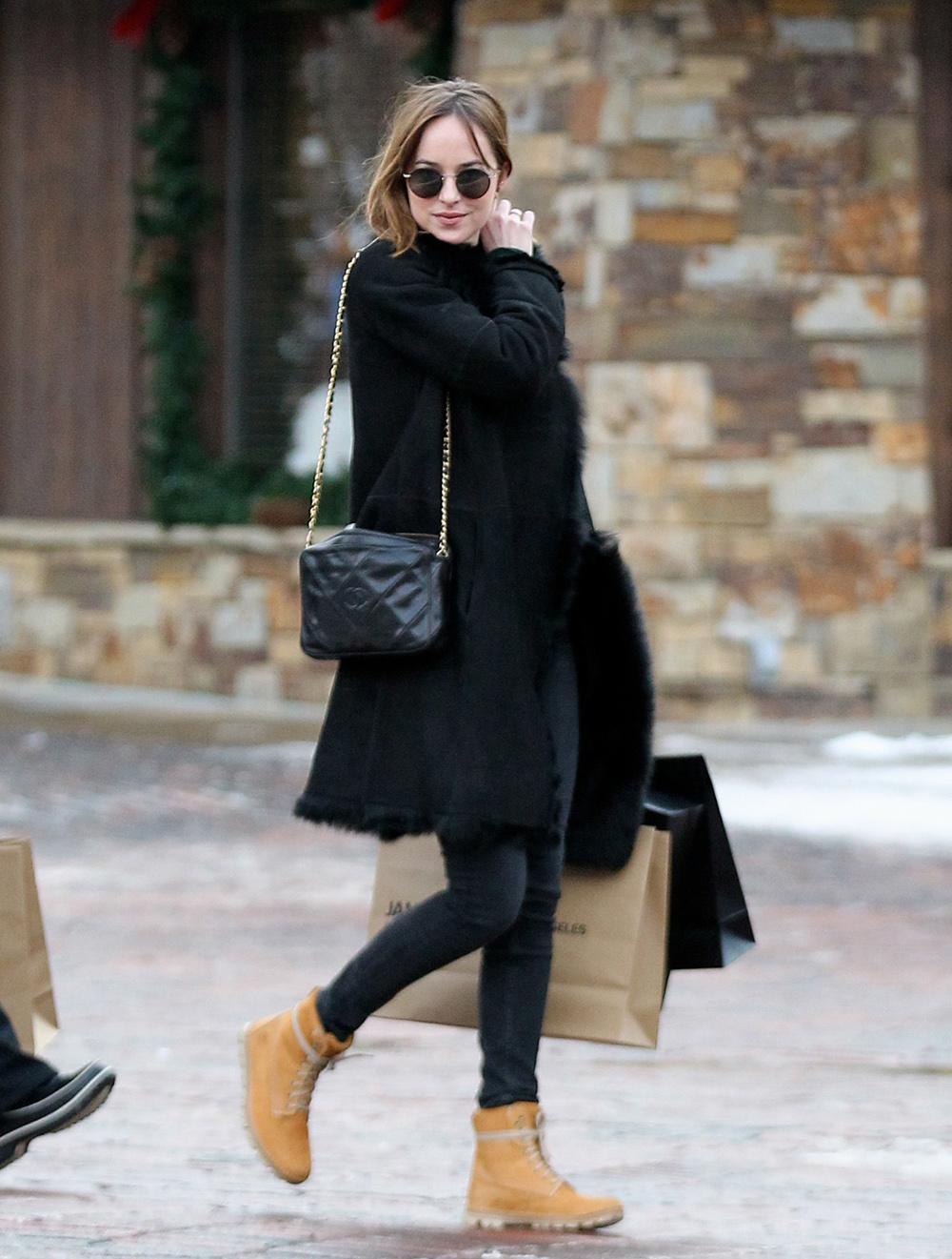 8d4e1cedb9d97 Las celebrities vuelven a poner de moda las botas Timberland - InStyle