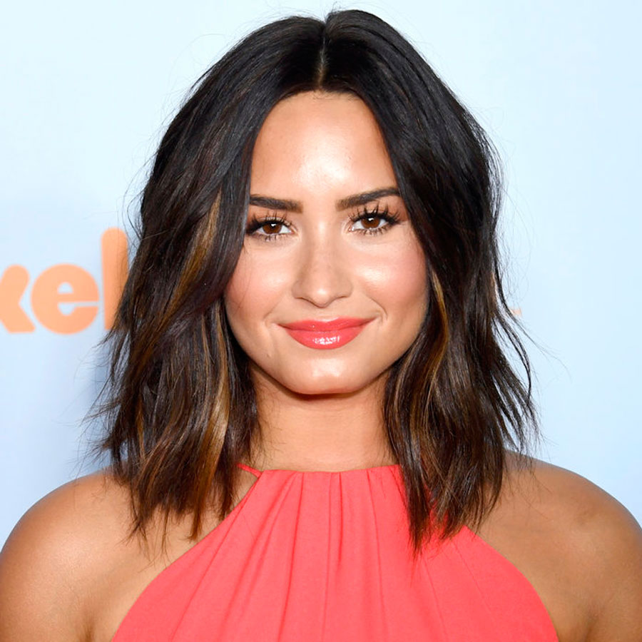 010318-haircut-everyone-lovato-embed. 5. El 'choppy lob'