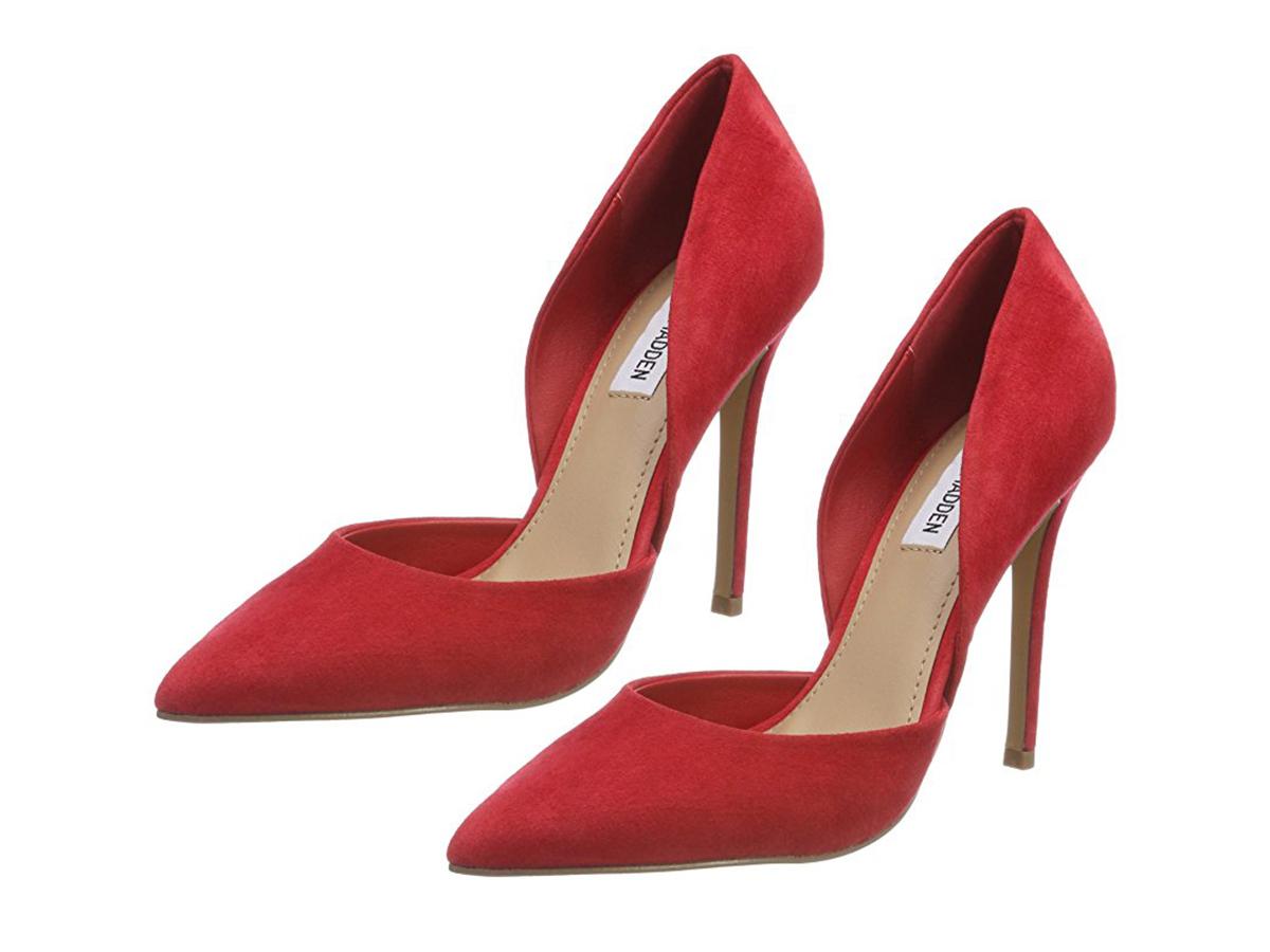 27ad7623 10 / 32. 'Stilettos' rojos ...