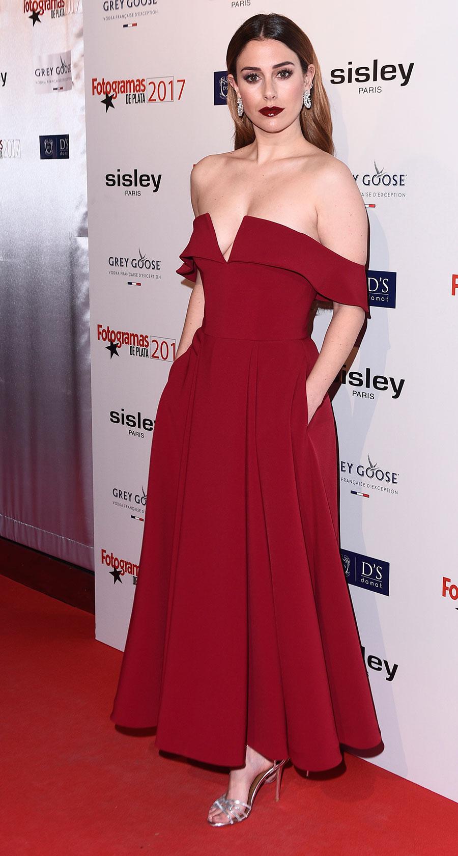 Maquillaje novia vestido rojo