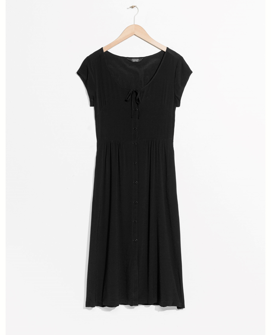 & Other Stories 69 €. Elegancia en negro