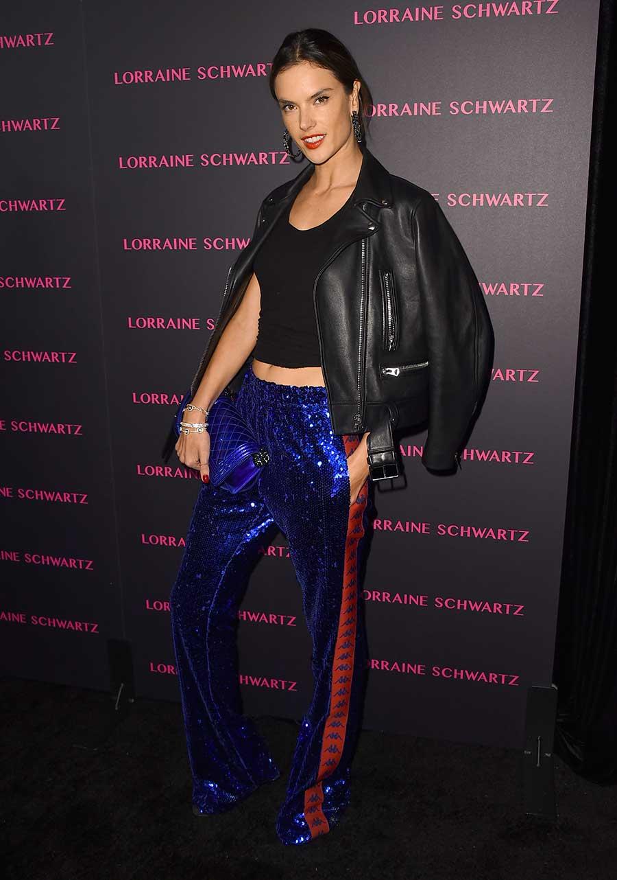 938f097473 Alessandra-Ambrosio-pantalones. Alessandra Ambrosio tiene los pantalones de  noche perfectos