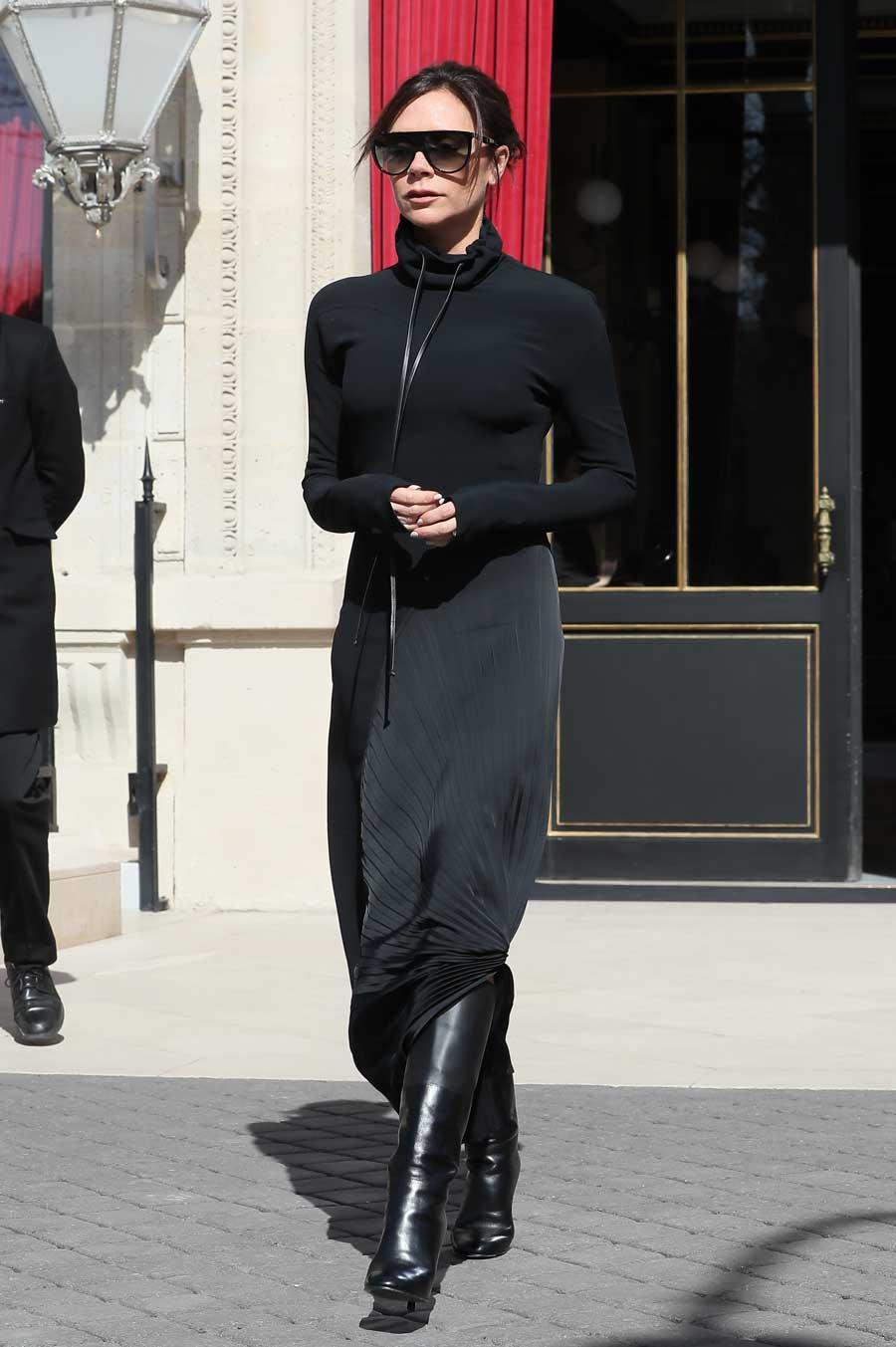 96dab43af Los 6 looks con falda larga que le debemos copiar a Victoria Beckham ...