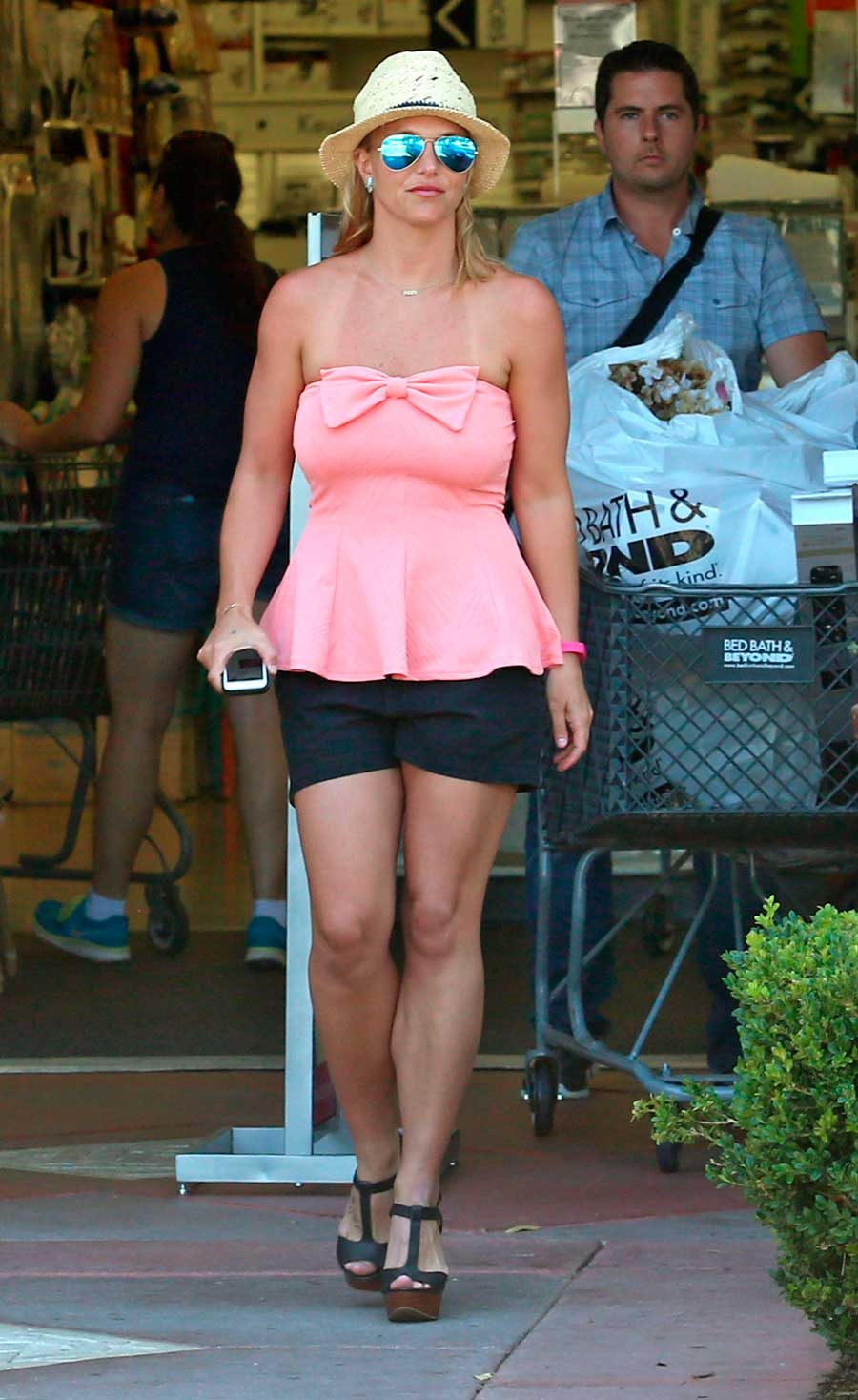 Britney-Spears-looks. Britney Spears tampoco se quitaba este escote