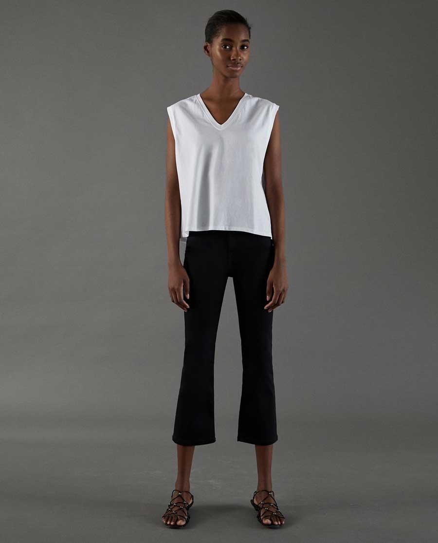 Cómo combinar tu camiseta blanca básica de Zara esta primavera 2018 ... 2f45874c6884e