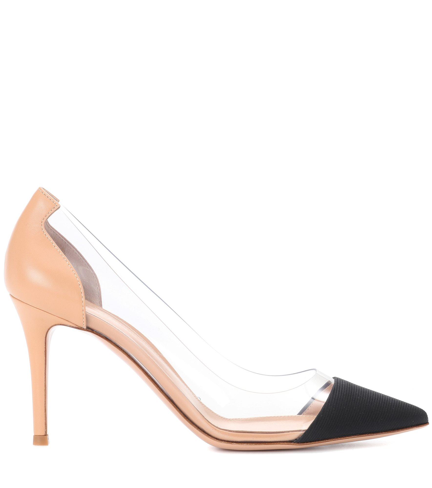 17c73c3a8a Zapatos de tacón de primavera 2018  los  stilettos  se llevan así ...