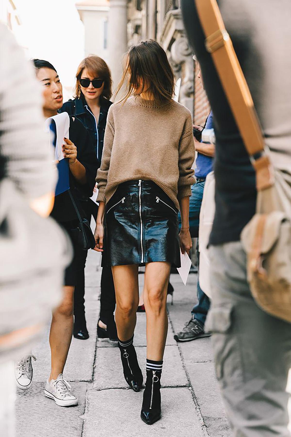 9a9fd5458 Faldas de cuero de primavera 2018 para mujeres con mucha clase - InStyle