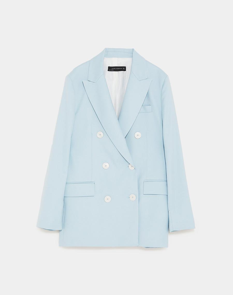 amplia selección clásico baratas Paula Echevarría tiene la blazer azul de Zara que llevaremos ...