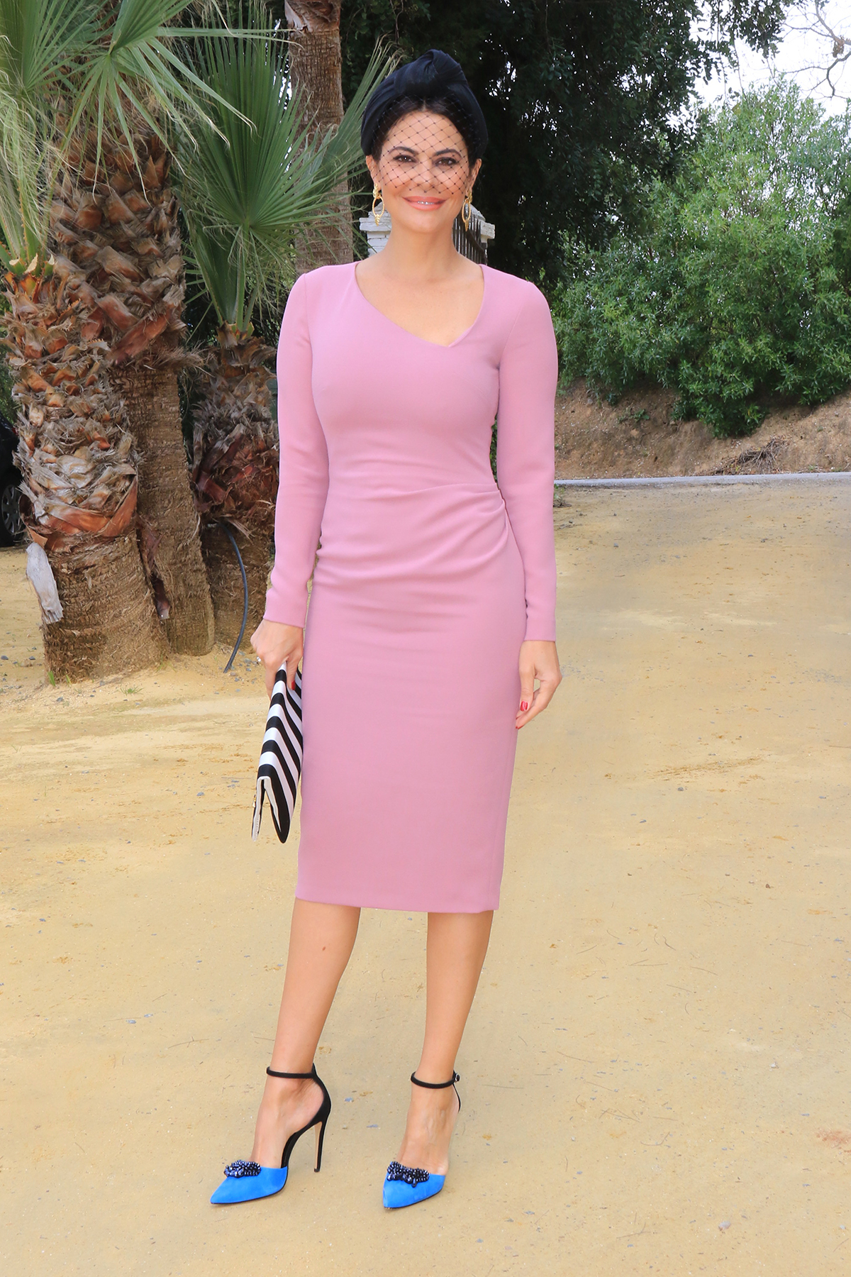 Eva González o el vestido de invitada de primavera perfecto - InStyle