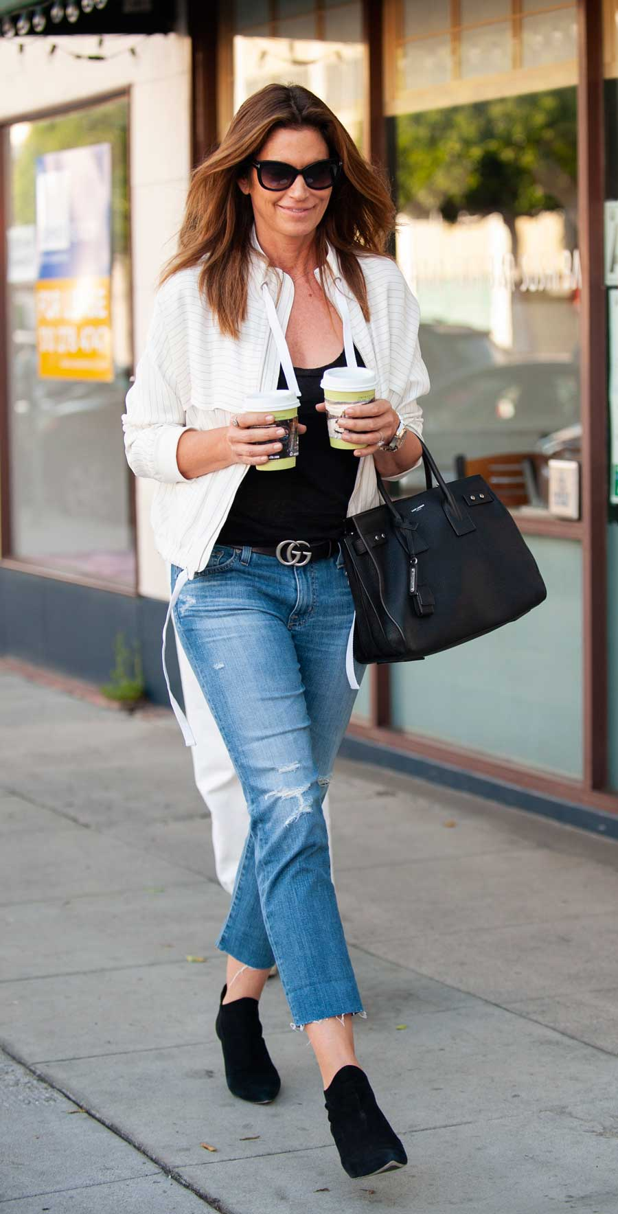 Cindy-Crawford-look-street-style. Cindy Crawford y su perfecto street style
