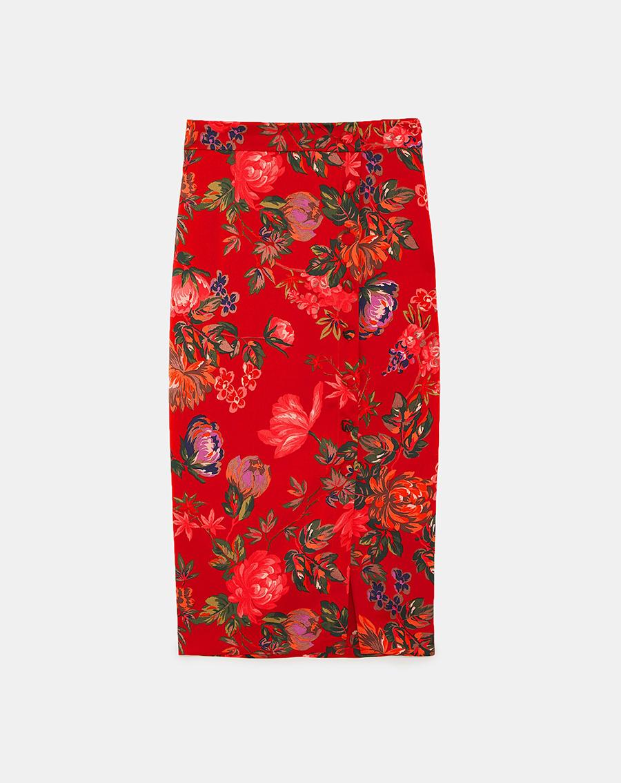 aa97817c5 Faldas lápiz, el básico de oficina que no puede faltar en tu armario ...