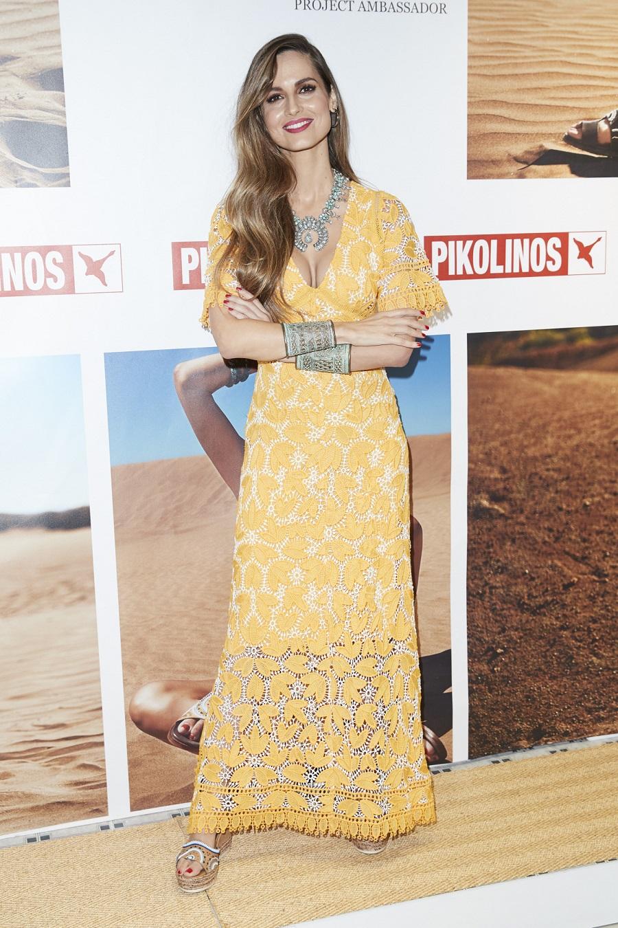 ariadneartiles. Ariadne Artines brilla con el perfecto vestido de encaje 7746a93904eb