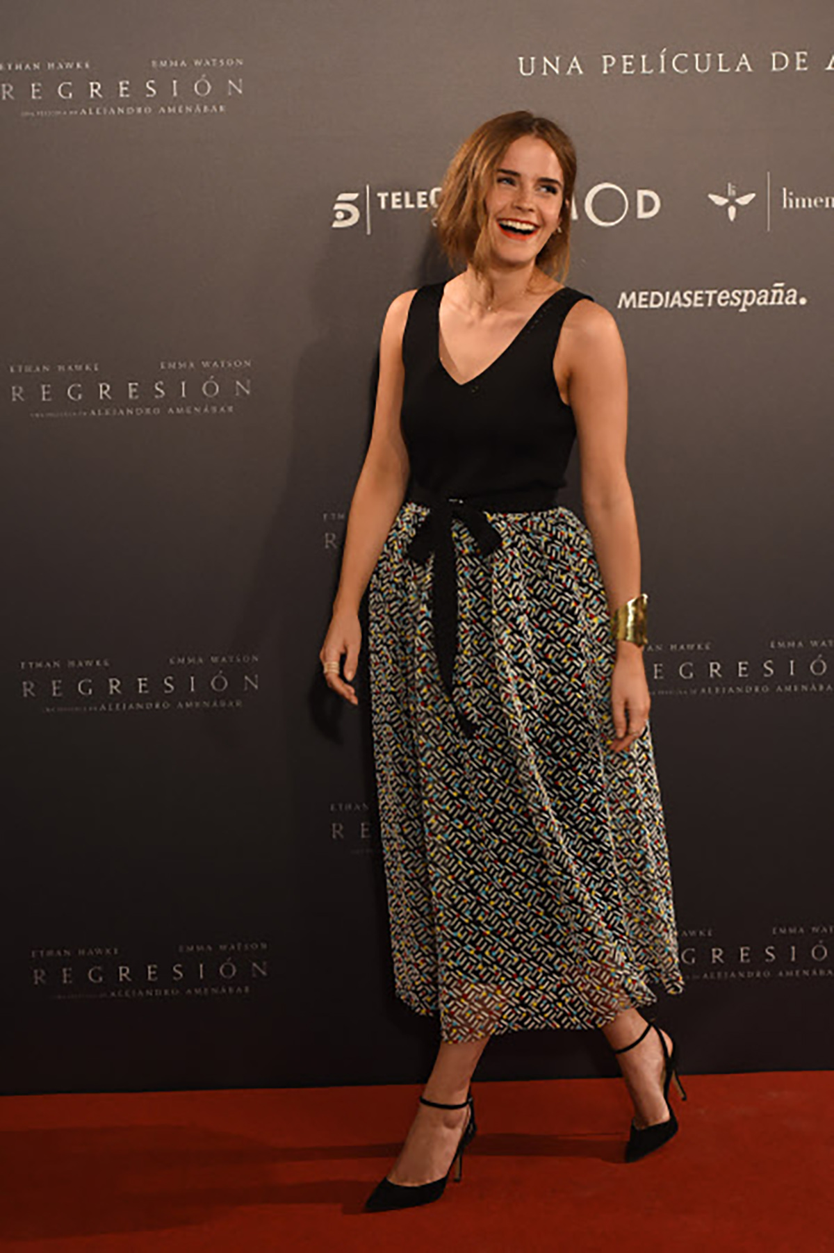 13. Actress Emma Watson at photocall of the movie Regresión in Madrid. Emma a lo madrileña