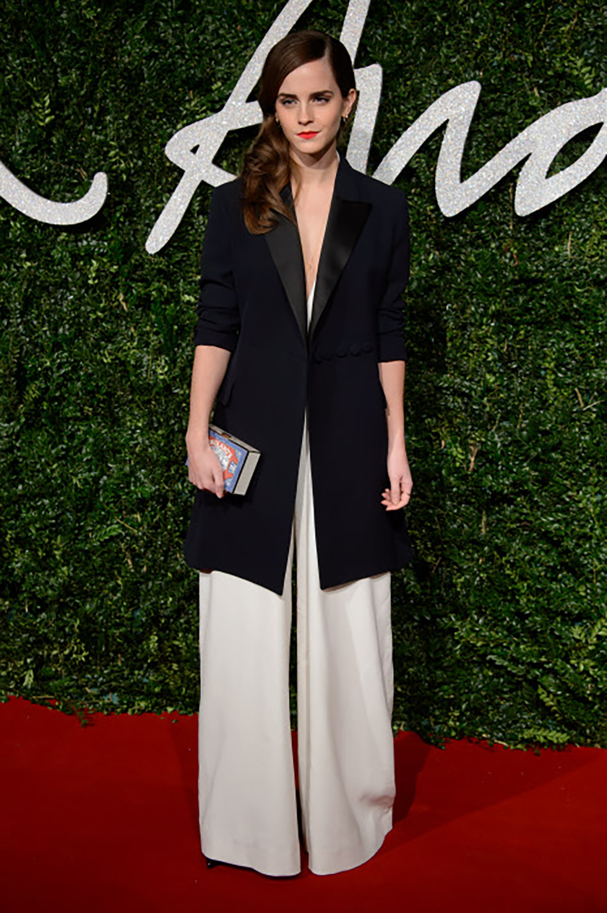 14. Actress Emma Watson at the British Fashion Awards 2014. Blanco y negro