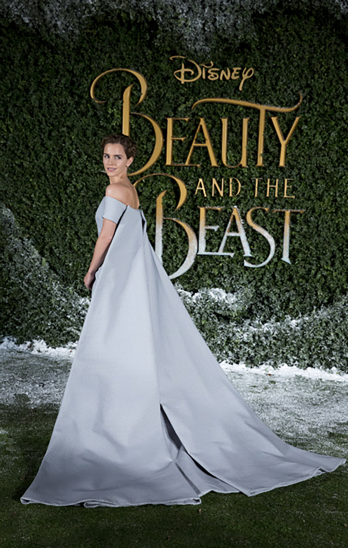 9. Actress Emma Watson attend the Beauty and the Beast UK Launch Event on February 23,. EL vestido