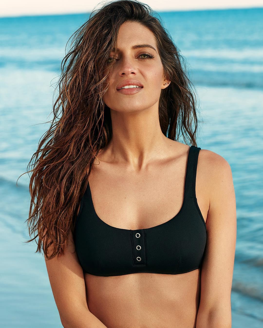 c00c4a80 Sara Carbonero tiene el bikini de Calzedonia que llevabas en tu ...