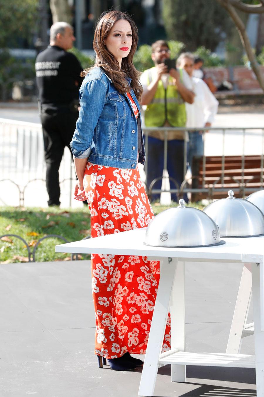 eva-gonzalez-vestido-flores de0d89e6. Top 4  Eva González 1a6e0026cd5