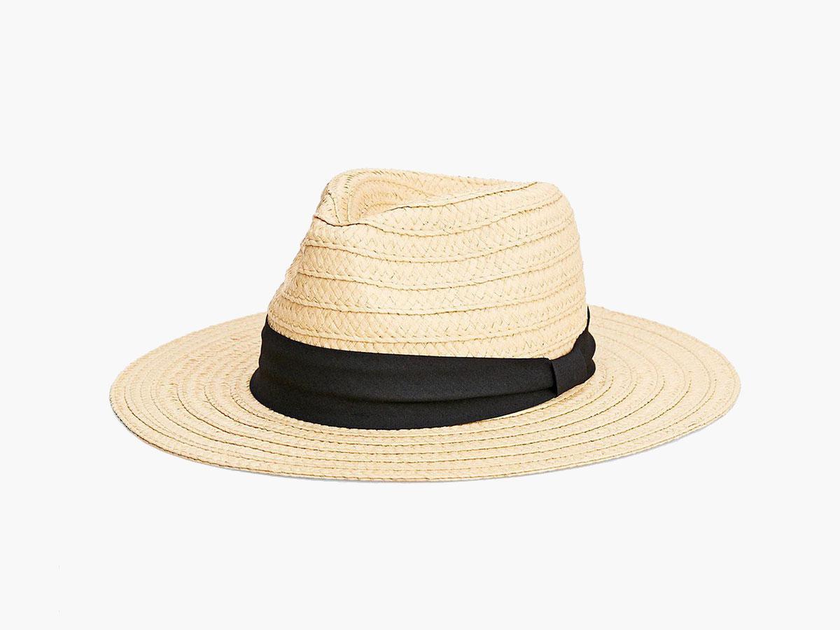sara-carbonero-look-perfecto-sombrero-stradivarius. Sombrero Fedora 93b260fcd00
