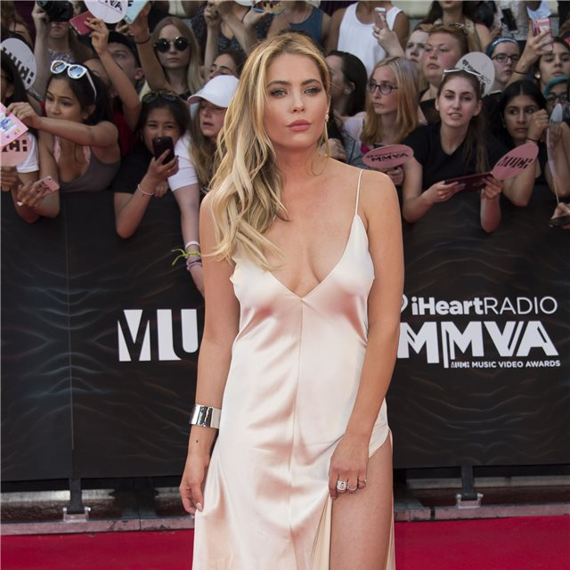 Ashley Benson, de Juan Carlos Obando