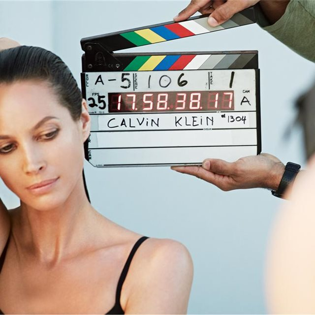 Christy Turlington colabora con Calvin Klein