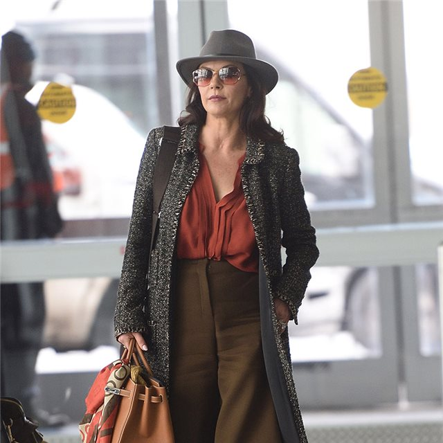 Catherine Zeta Jones y su look aventurero