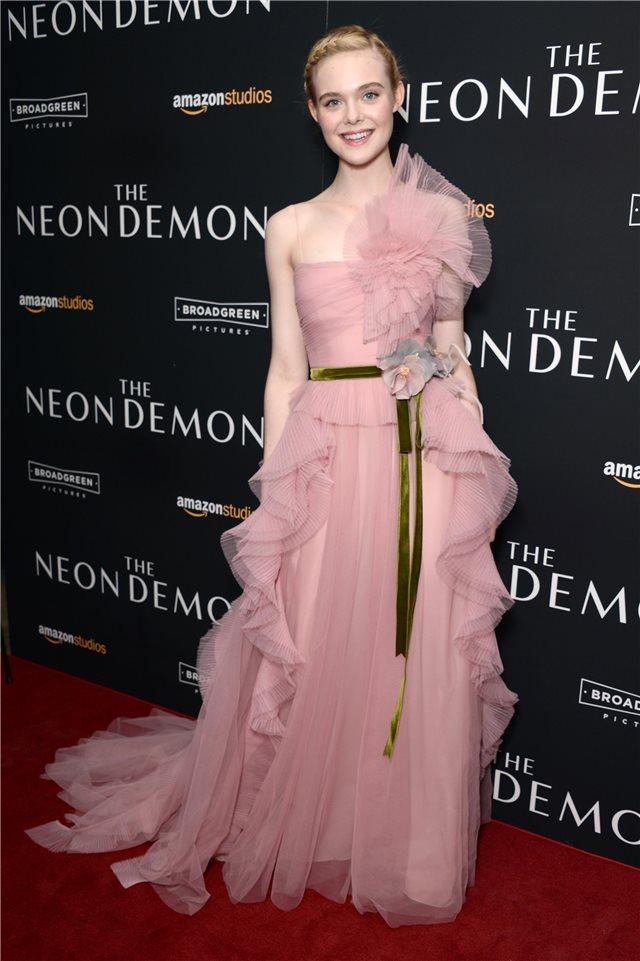 Elle Fanning, de Gucci Couture - InStyle