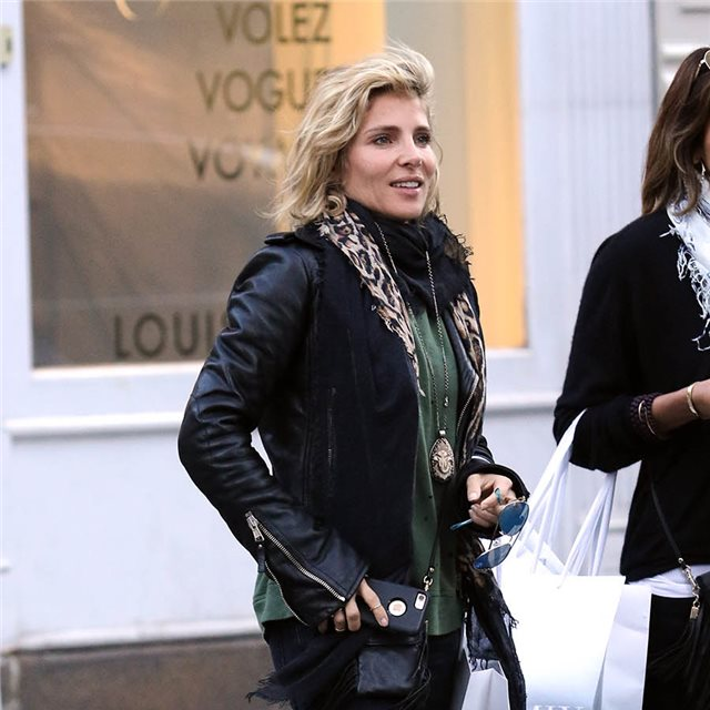 Elsa Pataky y su 'look sporty' con toque animal